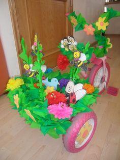 MONYS MONADAS: Decoración de triciclos PRIMAVERA
