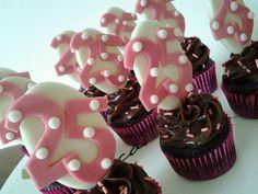 Cupcakes para comemorar 25 anos!Chocolate e brigadeiro!