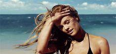 Δώσε στα μαλλιά σου τη λάμψη που θέλεις να έχουν το καλοκαίρι - http://ipop.gr/themata/frontizw/dose-sta-mallia-sou-ti-lampsi-pou-thelis-na-echoun-kalokeri/