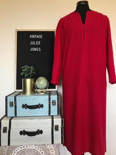 Vintage JULEE JONES Cherry Red Dress #reruns #Ootd #SecondHand #Preloved #upcycle #ShoulderPads #Vintage #VintageStyle #VintageMaterial #circa High Neck Blouse, Red Vest, Hilfiger Denim, Blouse Vintage, Cherry Red, Shoulder Pads, Beautiful Outfits, Retro Vintage, Upcycle