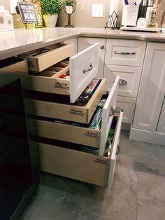 French Door Refrigerator, Getting Organized, Oven, Kitchen Appliances, Organization, Interior, Diy Kitchen Appliances, Home Appliances, Organisation