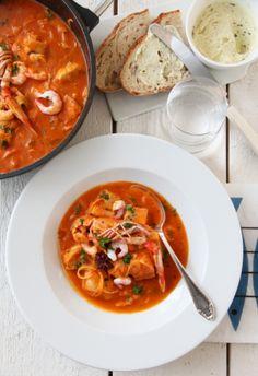 BOUILLABAISSE – FRANSK FISKESUPPE Vibeke Design, Good Food, Yummy Food, Midnight Snacks, Fish Dinner, Frisk, Pavlova, Fish And Seafood, Soup Recipes