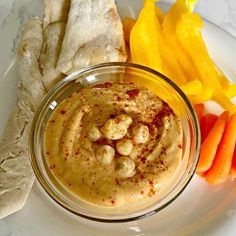 Sweet sriracha hummus is a delicious and nourishing dip you will love. It's paleo friendly and can be served with veggies, crackers, or pita bread. Transparent Pie Recipe, Spicy Recipes, Appetizer Recipes, Hummus Ingredients, French Onion Dip, Sandwich Spread, Rich Recipe, Delicious Sandwiches, A Food