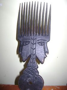 VINTAGE WOOD CARVED AFRICA COMB