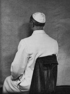 I ritratti di Ghitta Carell, in mostra l'aristocrazia italiana degli anni '30  Papa Pacelli Pio XII  anni '40