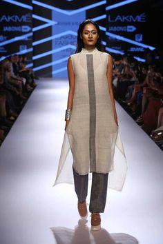 Love Suhana Pakistani Outfits, Indian Outfits, Stylish Dresses, Fashion Dresses, Salwar Designs, Desi Wear, Lakme Fashion Week, Fashion Line, Indian Designer Wear