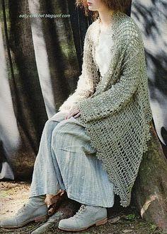 Ravelry: free crochet vest pattern by tricatage de lin Crochet Tutorials, Young Women, Crochet Sweaters, Vintage Sweaters, Vintage Outfits, Crochet Vests, Crochet Patterns, Crochet Shawl, Coats