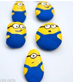 Rock Painting Crafts – Creative Painting for Kids - A More Crafty Life painting ideas easy for kids Happy Rock, Rock Painting Patterns, Rock Painting Ideas Easy, Rock Painting Designs, Rock Painting Ideas For Kids, Creative Painting Ideas, Painted Rocks Craft, Hand Painted Rocks, Painted Pebbles