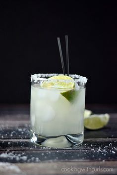 Classic Margarita on the rocks | cookingwithcurls.com