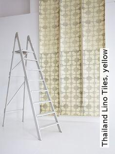 Tapete: Thailand Lino Tiles, yellow - TapetenAgentur Selected Designtapete von Deborah Bowness