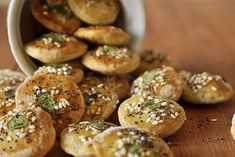{recipe} Homemade crackers with olive oil, herbs and seeds. (in Greek with translator) Greek Cooking, Cooking Time, Cooking Recipes, Homemade Chips, Homemade Crackers, The Kitchen Food Network, Party Finger Foods, Breakfast Snacks, Greek Recipes