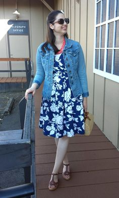 Librarian for Life + Style  |  Floral + coral