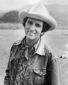 """Harry Dean Stanton was asked how he wanted to be remembered. His answer: """"Doesn't matter."""" Stanton died Friday at the age of his agent said. Harry Dean Stanton, Repo Man, Black Limousine, George Strait, John Wayne, American Actors, Actors & Actresses, Beautiful People, Guys"""