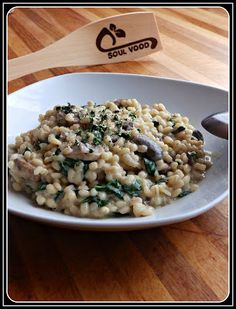 ...Soul Vood kocht & bloggt...: Cremiges Graupenrisotto mit Champignons und Spinat...
