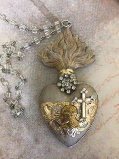 / decoration by kim collister / resin base by sandra evertson, relics and artifacts / Heart Jewelry, Diy Jewelry, Silver Jewelry, Vintage Jewelry, Jewelry Making, Heart With Wings, I Love Heart, Jesus E Maria, Hearts And Roses
