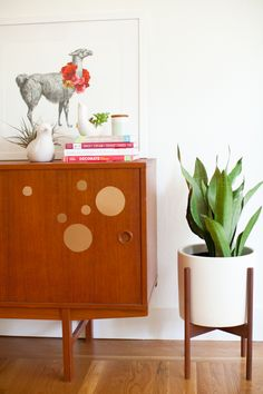 Happy Monday to y'all - and what a happy Monday it is, today I've got a little something awesome for you...a giveaway with Modernica! These guys are based