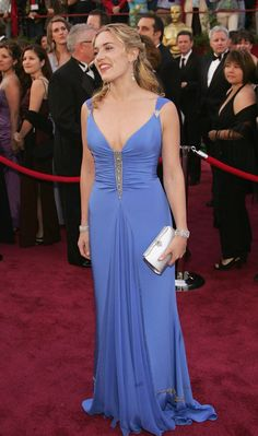 Kate Winslet made periwinkle a thing again with this 2005 gown. | 26 Oscar Dresses You Once Thought Were SooooOOOoooPretty