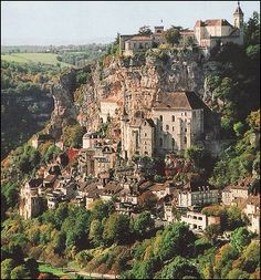 domme france - for panoramic views, there's nowhere in the Dordogne that can top Domme