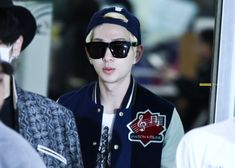 Onew ' Gimpo Airport ' // 131028