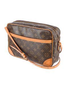 Louis Vuitton Monogram Trocadero 30 - Handbags - LOU78178   The RealReal