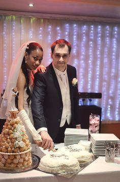Découpe des gâteaux  #mariage #wedding #romantique  #Weddingplanner#paris #gâteaux #piècemontée #delaolivapolyne #pensee-event.com