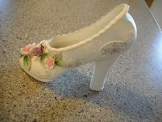 Vintage Shoe/ Collectable porcelain shoe with heel by TamiAndDani