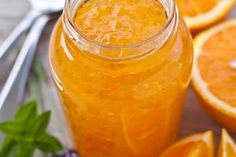 Orange Marmelade // Inspiration by Eric Bompard Chutneys, Fruit Preserves, Frozen Yoghurt, Jam And Jelly, Vegetable Drinks, Food Menu, Hot Sauce Bottles, Food Inspiration, Sweet Recipes