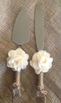 Rustic Wedding Cake Knife and Server by RubyRedBirdCreations / http://www.himisspuff.com/country-rustic-wedding-ideas/9/