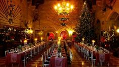 Warwick Castle Great Hall at Christmas time Christmas Events, Christmas Lights, Christmas Holidays, Vintage Christmas Photos, Warwick Castle, Baroque Design, Places Around The World, The Ordinary, Event Planning