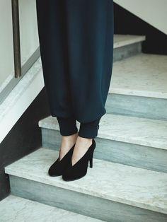 hers /// velvet goat stilettos + pants + 2012 /// hermès – vestiaire d'hiver /// photographer zoë ghertner