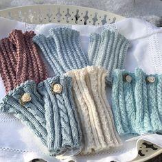 """""""Stülpli"""" für die kältere Jahreszeit aus angenehmer Merino- oder Alpakawolle 🌸 #knittinglife #stulpen #stulpenstricken #strickkurs #zartefarben #outfitdetail #kleinegeschenke #stoffigesundmehr #kleinerfeinerfeed #mitliebegemacht #schweiz (Werbung)"""