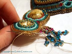 Bead embroidery lesson: add a fringe.  #seed #bead #tutorial