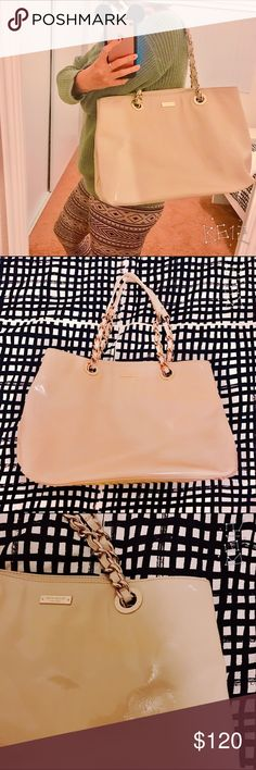 🎀 Large Kate Spade Shoulder Bag 🎀 good condition, minor signs of wear, very roomy bag, elegant look, a must have everyday bag ☺️ kate spade Bags Shoulder Bags