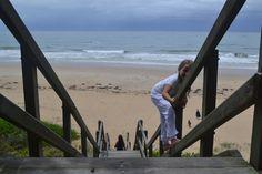 nikon, D3100, auto, no flash, landscape shot, outdoors.  the fam ban walking down to the beach