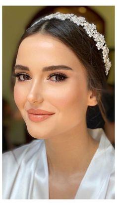 Bridal Makeup For Brown Eyes, Bride Makeup Natural, Bridal Makeup Looks, Makeup For Green Eyes, Blue Eye Makeup, Hair Makeup, Prom Makeup, Bridal Makeup For Brunettes, Peachy Makeup Look
