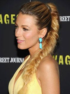 20 Cool Celebrity Braided Hairstyles: Blake Lively braided ponytail (a classic!) Put little flowers in it for wedding! Celebrity Hairstyles, Hairstyles Haircuts, Pretty Hairstyles, Straight Hairstyles, Easy Hairstyle, Hairstyle Ideas, Fishtail Ponytail, Fishtail Braid Hairstyles, Messy Ponytail