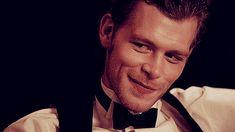 Joseph Morgan as Klaus - The Vampire Diaries (His dimples are so beautiful ❤️)
