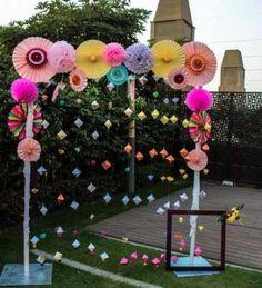 Birthday crafts party photo booths ideas for 2019 Desi Wedding Decor, Diy Wedding Backdrop, Wedding Stage Decorations, Diy Backdrop, Diy Wedding Decorations, Paper Decorations, Wedding Themes, Birthday Decorations, Floral Decorations