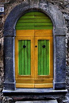 Civita - green and yellow
