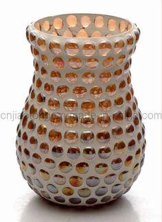 Foto de Florero del vidrio de mosaico (G-TP-ZZ-E) en es.Made-in-China.com Mosaic Planters, Mosaic Vase, Mosaic Flower Pots, Mosaic Diy, Mosaic Bottles, Mosaic Rocks, Mason Jar Candle Holders, Tile Crafts, Vases Decor