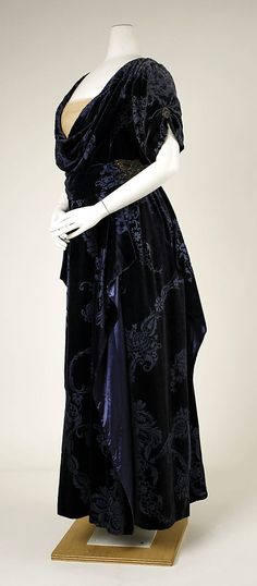 Dress, Evening  House of Worth  (French, 1858–1956)  Date: 1910–11 Culture: French Medium: silk, metallic thread, glass