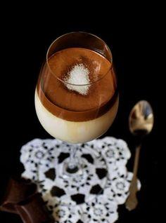 Kipróbáltam és megkedveltem – Dalgona kávé, a megosztó ital | Egyszerű finomságok Panna Cotta, Ethnic Recipes, Food, Dulce De Leche, Meal, Essen, Hoods, Meals, Eten