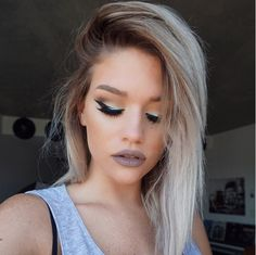 A sexy makeup look is perfect for your last night out as a single woman.