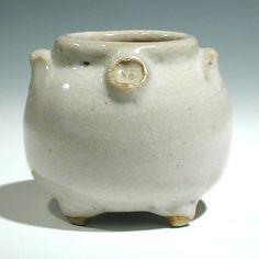 SW The best little pot Rick Bonomo ever made Crackle Glaze 3h.jp.jpg 402×402 pixels