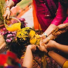 #haldi #anbujawahar #weddingphotography #jodhpur #ceremony #prewedding #canon #colourful #yellow #indianwedding #indianbride #turmeric #celebration #friends #fun #shaadisaga #wedmegood #weddingsutra #weddingtravel by anbujawahar