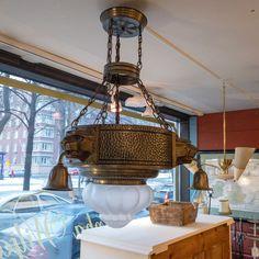 Jugend valaisin 1900-luvun alusta. Chandelier, Ceiling Lights, Lighting, Home Decor, Candelabra, Decoration Home, Light Fixtures, Room Decor, Ceiling Lamps
