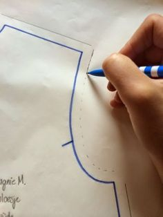 Easy 30 Sewing tutorials tips are offered on our internet site. Take a look and you wont be sorry you did. Sewing Basics, Sewing Hacks, Sewing Tutorials, Sewing Tips, Dress Sewing Patterns, Vintage Sewing Patterns, Sewing Lessons, How To Make Clothes, Pattern Drafting