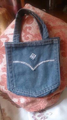 Geans pants pocket bag.   Very stylish.