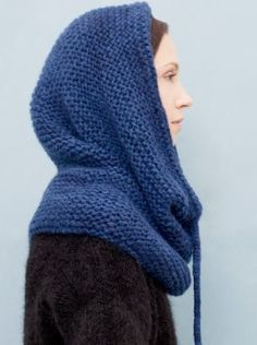 snood scarf - knitbrary totally going to make this for myself if i can get some nice yarn! Knit Cowl, Knitted Shawls, Crochet Scarves, Knit Hats, Crochet Hood, Knit Or Crochet, Crochet Pattern, Knitting Accessories, Loom Knitting