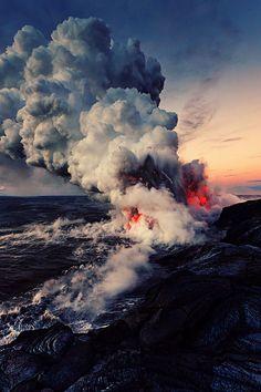 Hawaii Volcanoes National Park, Volcano National Park, National Parks, Volcan Eruption, Beautiful World, Beautiful Places, Beautiful Pictures, Nature Pictures, Amazing Pics